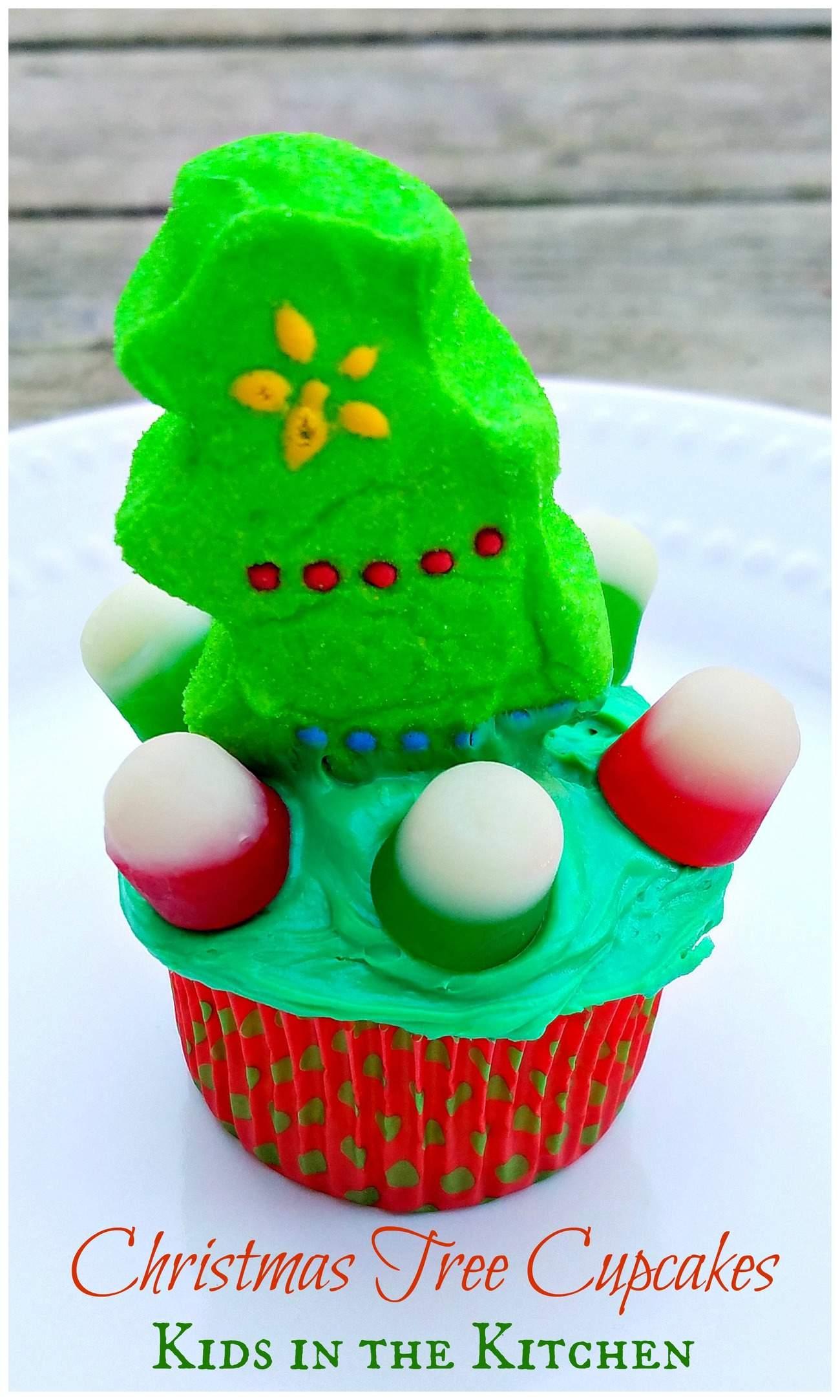 christmas-tree-cupcakes-1